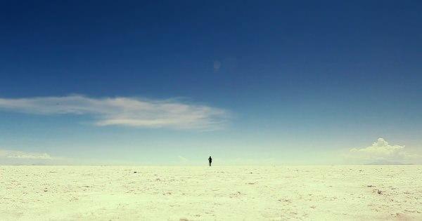 """""""旅を愛する者""""が撮影した旅先の日常では見られない風景や愉快な人々"""