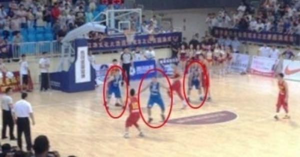 【新たな伝説:5人対2人で負ける】中国男子バスケ五輪代表、イタリアとの対戦で超有利な状況で負ける