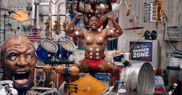 マジで凄すぎる!!全身の筋肉を使い15種類以上の楽器を演奏する男