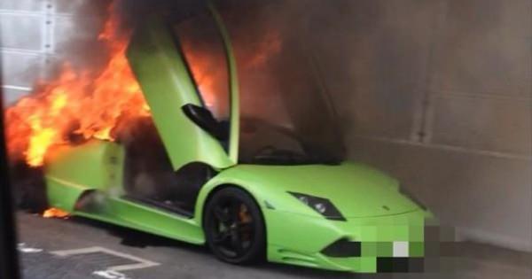 【画像】首都高でランボルギーニが大炎上www