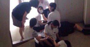 【ちょっと何言ってるかわからない】柳川高校が登山に行った結果幽霊に取り憑かれ臨時休校に・・・女子生徒30人程が倒れたり飛び降り未遂や発狂した為