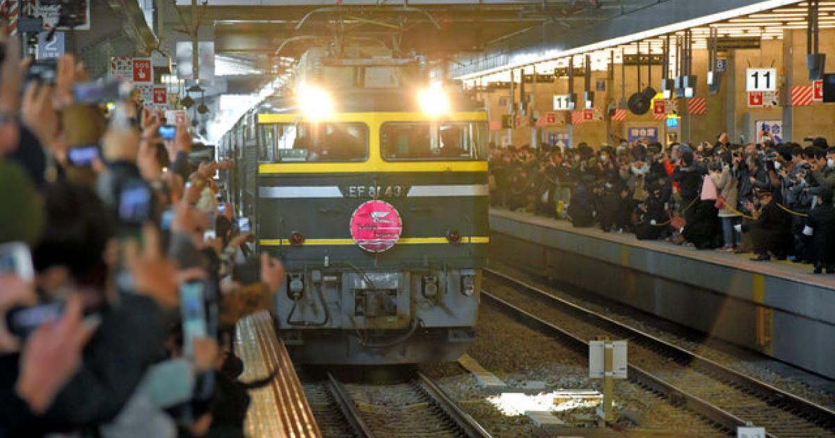 お疲れ様 「トワイライトエクスプレス」大阪発の最終列車が札幌駅に到着 26年間の歴史に幕