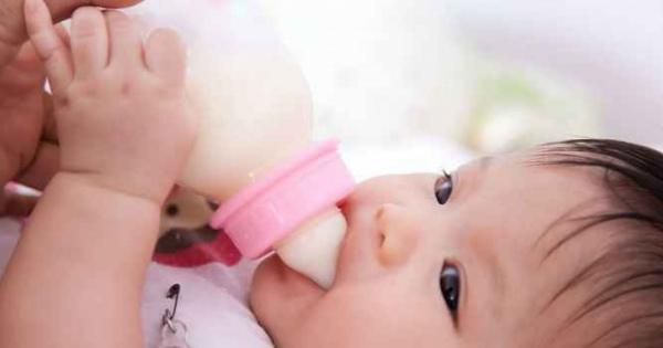 偽物の「母乳」ネット販売細菌1000倍で飲ませるのは危険