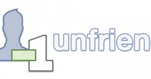 Facebookで誰が自分を友達削除したかわかる闇アプリ「Who Deleted Me on Facebook」めっちゃ便利だけど、通知きたら悲しい・・・