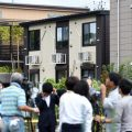 小平市看護師殺人事件:高木梨花さん(24)全裸のまま風呂場で死亡 同棲していた男性が不明のまま