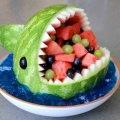 「スイカで鮫を作る方法」間違いなく子供が喜ぶスイカデザートレシピ