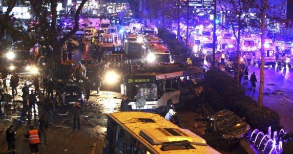 <トルコでテロ事件> トルコの首都アンカラの繁華街で3月13日、大きな爆発があり、少なくとも34人が死亡し、125人が負傷した。トルコ政府は爆発物を積んだ車を使ったテロ事件とみて調べている。ロイターなどが報じた。