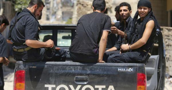 真実の解明・・・!  なぜイスラム国は、トヨタのトラックを次々と補充できるのか
