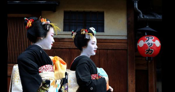 ほめられたら要注意!?京都人の「ウラとオモテ」を楽しむ 世界の中心は「京都御所」