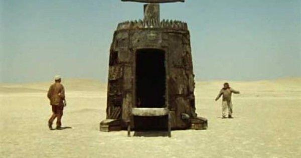 スターウォーズより面白いかも!ソ連カルト・コメディー・SF映画「不思議惑星キン・ザ・ザ」上映決定!