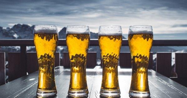 ビールを飲むことは認知症・アルツハイマー病の進行阻止に役立つ。