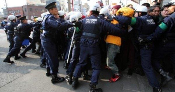 結局、川崎ヘイトデモは行われる。公園は使えないが道路は使う。警察の許可で・・・。
