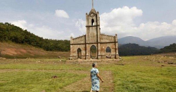 AFPより「ダムの底に沈んだ村が出現、エルニーニョによる干ばつで・ヴェネズエラ」ドローン動画