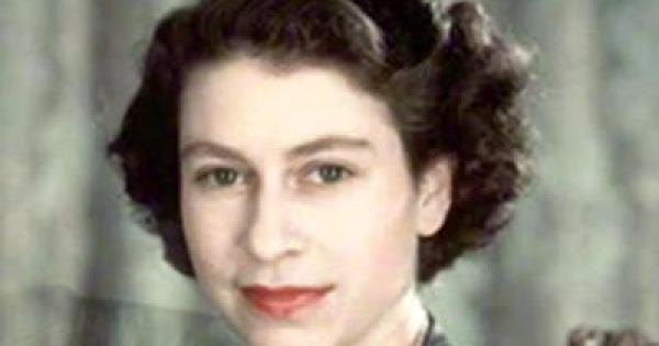 [祝 卒寿] エリザベス女王 - 可憐、エレガント -