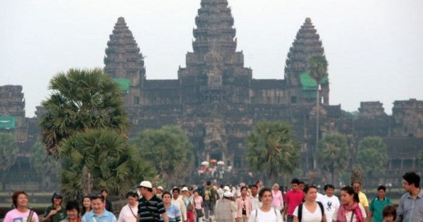 <まさしくアジアの時代の夜明けが色濃くなってるのかな?> 考古学者グループ カンボジアの密林の中に千年前の古代都市を発見
