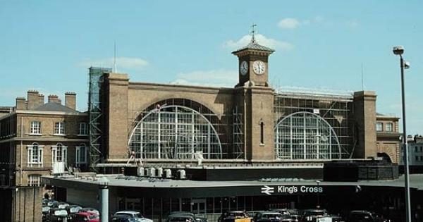ハリー・ポッターファンなら一度行ってみたい「キングス・クロス駅」物語はここから始まる!