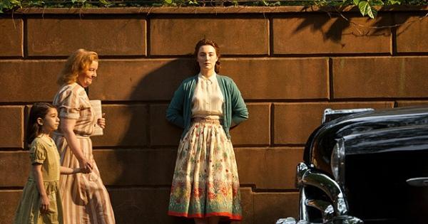 50年代ファッションが楽しめる映画「ブルックリン」少女から大人への成長を描く。