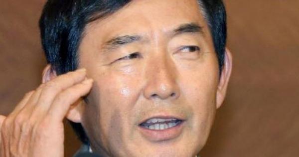 <山本太郎も・・・ここから始まった!> 「石田の所属事務所は『今後一切、政治に関する発言はできなくなりました』と説明。」 「政治語ってTVに出られなくなる」か「TVに出るなら政治語れない」かの二択。  石田純一、鳥越氏の応援演説しない : スポーツ報知