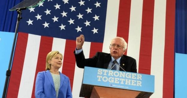 [米大統領選] クリントン氏「TPPにノー」vs 自民党 TPP法案「責任を持って成立させる」