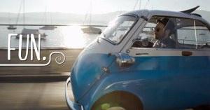50年代のレトロ車が電気自動車で復活!ドアの場所が斬新すぎ!