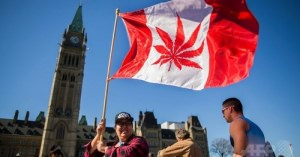カナダ、2017年にマリフアナ合法化 保健相が表明 2016年04月21日 09:55 発信地:オタワ/カナダ