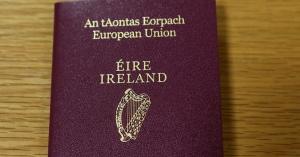 アイルランドのパスポートに申請殺到!理由は「EUに残りたい!!」