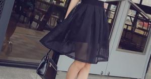 この夏の流行ファッション透けスカート