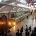 北朝鮮の地下鉄!まるで核シェルターの美術館!