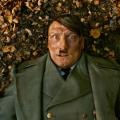 ヒトラーがモノマネ芸人として大スターに?ショッキングな風刺映画「帰ってきたヒトラー」