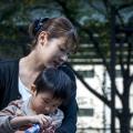 <・・・詐欺政権にいつまで騙されてんだろうね?> 家族の絆が大切と言って家族への公的支援はイギリスやフランスの半分以下の日本、社会保障費全体(2013年)でもフランスの68%しかない日本、「寄付」や「家族の支えあい」にすり替え社会保障削減狙う安倍政権