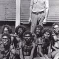 今では写真のような鉄の鎖は消えた・・・!その代わりに、お金であったり利権構造という鎖で奴隷化された人々は激増しています