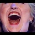 <・・・単なるゴシップか? 真相究明の糸口か?> ヒラリーの舌には大きな穴が開いています。また、リークされた彼女の個人メールから、頻繁に核戦争を要求する内容が書かれていたことが判明しています。ヒラリーは単なる破壊者