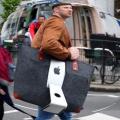 欲しい!?27インチ型iMacを持ち歩きたい!と言うデスクトップ派のための専用バッグ!