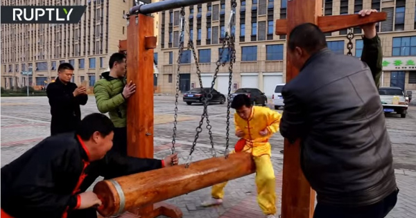 集え!!中国のカンフーマスター良い子のみんなはマネしてはいけないよ