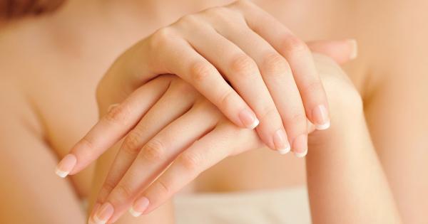 手は顔より10年早く老化する!夏こそ大切なハンドケア