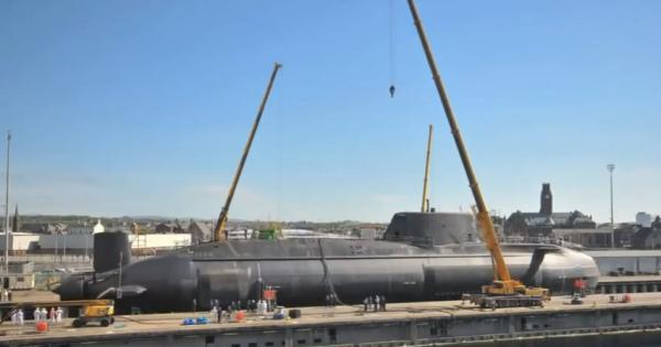 イギリス潜水艦乗組員「メイ首相ネット遅すぎてオナニーできません」