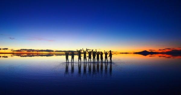 神秘的!ボリビアのウユニ塩湖の絶景が言葉にできない美しさ