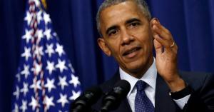 オバマ前大統領がフランス大統領に?フランスの街中にオバマの写真が!