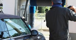 ちょっと面倒な洗車!洗車機を使うと本当にキズがつくの?