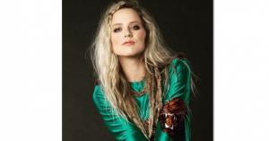 『トリバゴ』『セコマ』でブレイク! 美女「ナタリー・エモンズ(Natalie Emmons)」 Beautiful画像集!