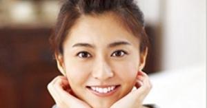 小林麻央さん死去。34歳。22日夜自宅で。市川海老蔵さんの奥様。ネット上ではファンの悲しみの声。