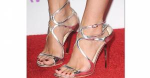 セレブの脚「「ハイヒール&つま先」に釘づけ! 「Celebrity Feet」画像まとめ