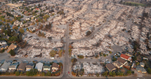 【過去最悪の被害】カリフォルニア州で起きた山火事、6日経っても鎮火のメド立たず