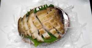 古くから愛される高級貝の鮑(アワビ)グルメ