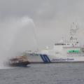 【いじめ注意】海上保安庁、干しイカを作っていた北朝鮮漁船に放水しスルメイカを台無しに