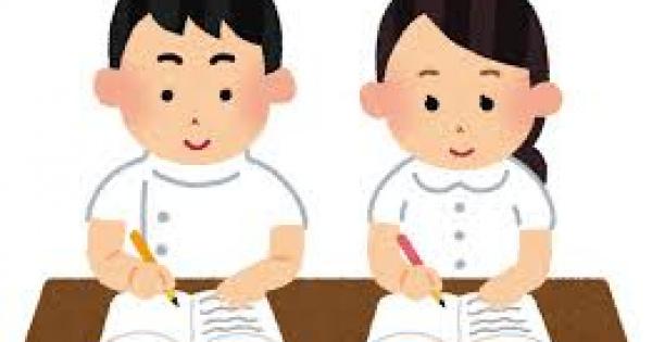 社会人から看護学校に通うのは不可能か