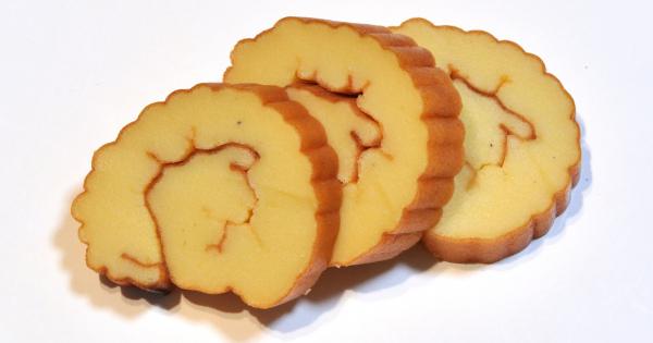 まるでお菓子のような甘くておいしいおせち料理の伊達巻