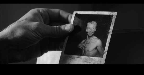 【解説①】映画「メメント」テディはなぜ殺されたのか?時系列で振り返る【ネタバレ】
