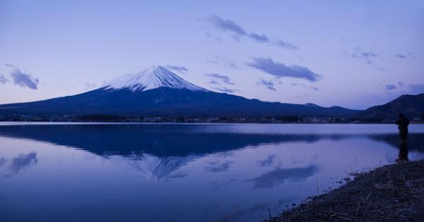 富士五湖のひとつ河口湖湖畔のステキな貸切コテージ