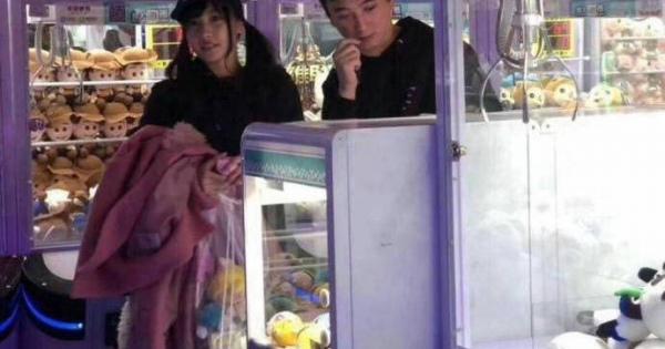 【色白Fカップ】佐野ひなこの新恋人は中国の大富豪!?デート現場が激写される【一夜援助】